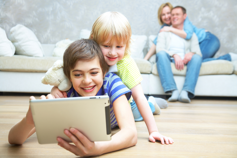 Parental control apps to monitor kid's mobile devices